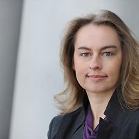Dr. Ingrid Kapsamer